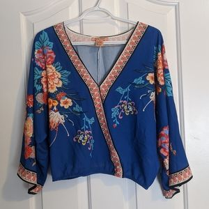 Floral wide-sleeve wrap shirt